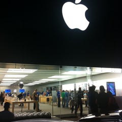 Photo taken at Apple Store, The Domain by Adrian C. on 10/11/2011