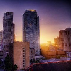 Photo taken at San Francisco Marriott Marquis by Mike F. on 8/10/2012