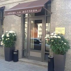 Photo taken at Aromi la Bottega by Krees M. on 7/8/2012