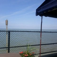 Photo taken at Hoak's Lakeshore Restaurant by Jeff A. on 5/25/2011