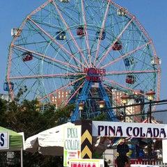 Photo taken at Deno's Wonder Wheel by Maurice N. on 8/19/2011