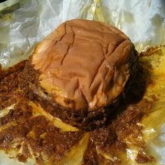 Photo taken at Original Tommy's Hamburgers by Richard C. on 10/8/2011