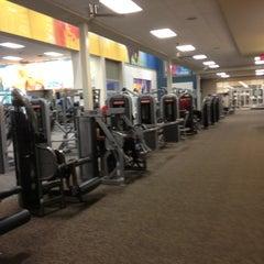Photo taken at LA Fitness by Lex Diamondz S. on 8/1/2012