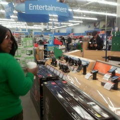 Photo taken at Walmart Supercenter by Ryan R. on 11/25/2011
