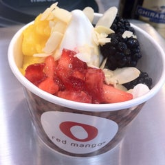 Photo taken at Red Mango by AlexMarie L. on 9/11/2011