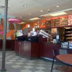 Photo taken at Dunkin Donuts by Robert T. on 6/14/2012