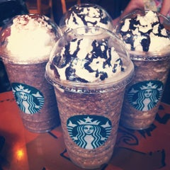 Photo taken at Starbucks by Chee Z. on 8/9/2012