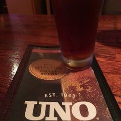 Photo taken at Uno Pizzeria & Grill - Waltham by Geneo on 5/31/2015