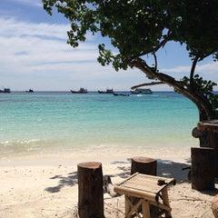 Photo taken at Lipe Resort by Pmb Y. on 11/18/2013