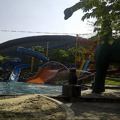 Photo taken at Siliwangi Swimming Pool by Dhyan on 6/30/2013