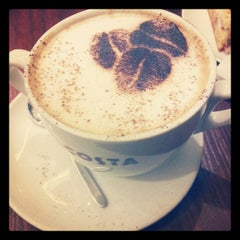 Photo taken at Costa Coffee (Коста Кофе) by Olga V. on 2/28/2013