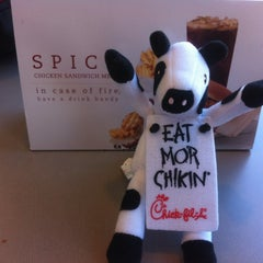 Photo taken at Chick-fil-A by Tom vimal J. on 3/16/2013
