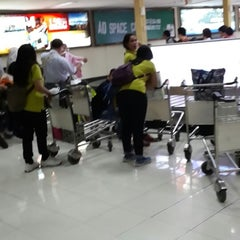 Photo taken at Garuda Indonesia Executive Lounge by Satya Y. on 7/29/2014