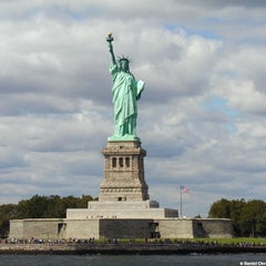Photo taken at Statue of Liberty by Mochilando B. on 4/27/2013