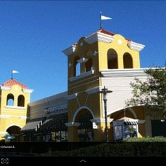 Photo taken at Lake Buena Vista Factory Stores by Mônica Z. on 1/25/2013