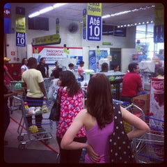 Photo taken at Carrefour Bairro by Luiz Otávio T. on 9/21/2012