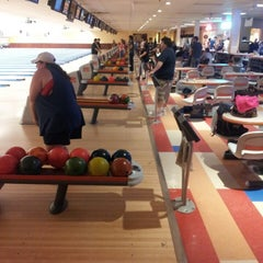 Photo taken at Northland Bowl & Recreation Center by Cihan on 9/21/2013