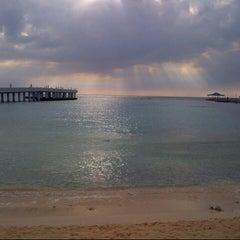 Photo taken at Blue Beach Resorts || شاليهات الشاطئ الأزرق by Zoz R. on 12/20/2012
