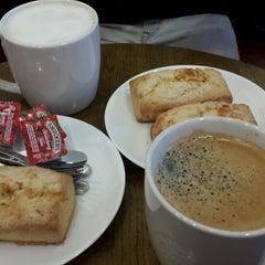 Photo taken at Starbucks by SeongYeob J. on 12/25/2014