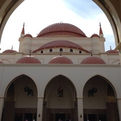 Photo taken at مسجد سليمان الراجحي | Alrajhi Mosque by Mohammed_S89 on 1/24/2014