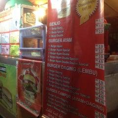 Photo taken at Burger Bathrisya by Habiel Z. on 6/5/2014