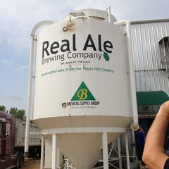 Photo taken at Real Ale Brewing Company by Ana R. on 4/26/2013