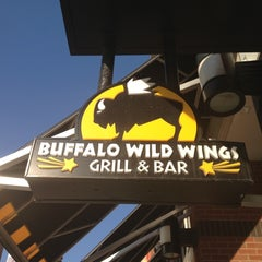 Photo taken at Buffalo Wild Wings by Roman W. on 11/16/2012