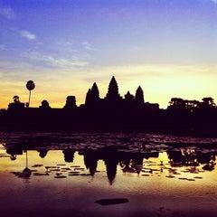 Photo taken at Angkor Wat Temple (អង្គរវត្ត) by Theera T. on 12/17/2012