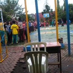 Photo taken at SMA Negeri 3 Sidoarjo by Muhammad Asyharul H. on 7/4/2013