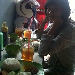 Photo taken at Monang Maning by Johana D. on 7/7/2013
