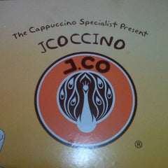 Photo taken at J.Co Donuts & Coffee by Bina S. on 10/6/2012