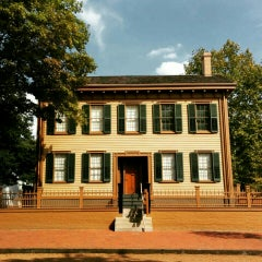 Photo taken at Lincoln Home National Historic Site by Inti on 9/19/2015