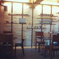 Photo taken at PH1b coffee bar by Saranyu K. on 3/17/2013