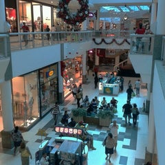 Photo taken at Shopping Tacaruna by Thur G. on 12/18/2012