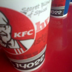 Photo taken at KFC by Ahmada B. on 4/2/2014
