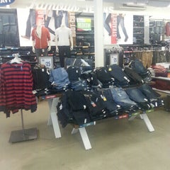 Photo taken at Old Navy by Gregory C. on 9/15/2013
