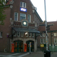 Photo taken at Station Deventer by Doct A. on 11/11/2012