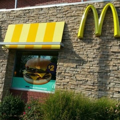 Photo taken at McDonald's by Reannon M. on 9/16/2015