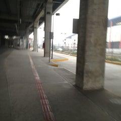 Photo taken at Estacionamiento los olivos by Isidro M. on 1/3/2013