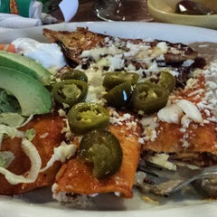 Photo taken at Lindo Mexico Restaurant by Gricelda M. on 9/12/2014