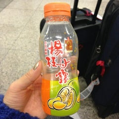 Photo taken at 7-Eleven by Seung Hee N. on 12/22/2012
