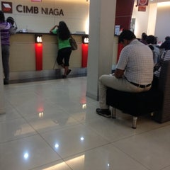 Photo taken at CIMB Niaga by Izumi F. on 5/5/2014