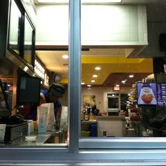 Photo taken at McDonald's by Julio R. on 11/24/2012