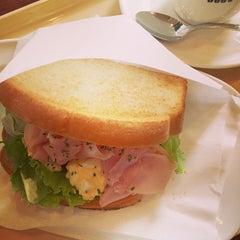 Photo taken at ドトールコーヒーショップ 大森店 by Kouji M. on 10/7/2014
