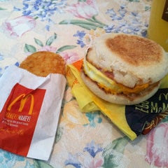 Photo taken at McDonald's by Christina H. on 11/12/2012
