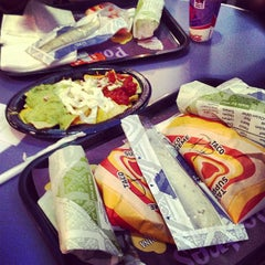 Photo taken at Taco Bell by Ignacio d. on 4/11/2013