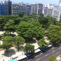 Foto tirada no(a) Praça General Osório por Edson B. em 12/31/2012