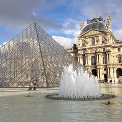 Photo taken at Musée du Louvre by Issac R. on 10/14/2013