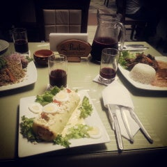 Photo taken at Restaurant Turistico El Pacifico by Diana S. on 11/30/2014