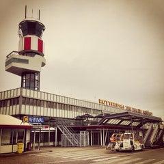 Das Foto wurde bei Rotterdam The Hague Airport (RTM) von James T. am 5/15/2013 aufgenommen